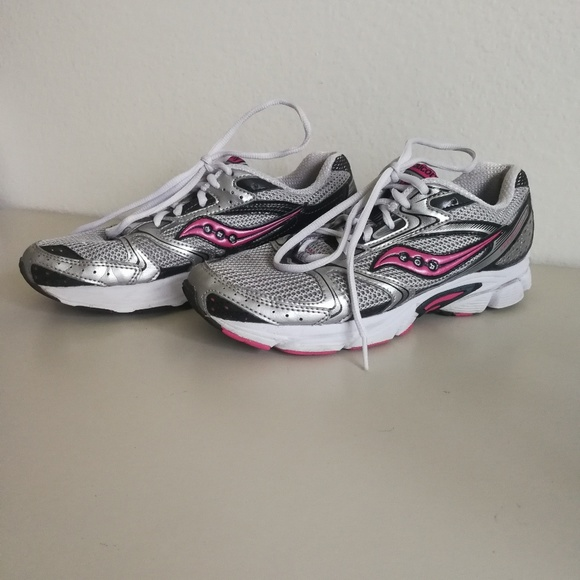 55233d0c77b1 7.5 Women s SAUCONY Cohesion 5 pink running silver.  M 5b02f1883b160818778dfff0